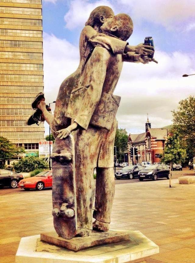 skateboard-statue-southend-victoria-1